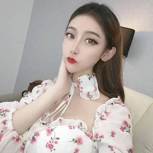 苏苏~努力~的美女聊天室