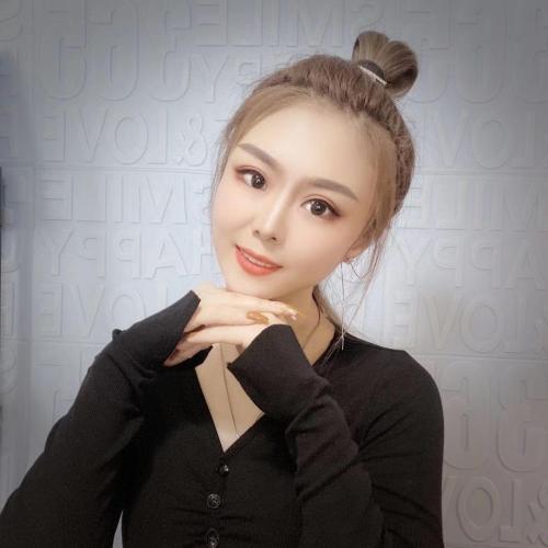 逸鑫8萌萌的美女聊天室